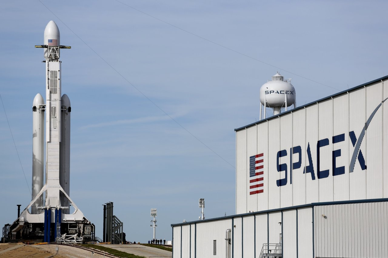 7 Awesome SpaceX Photos