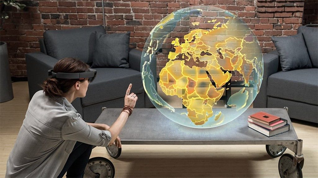 HoloLens 2 by Microsoft Allows You To Step Into Mixed Reality - GlitchMind